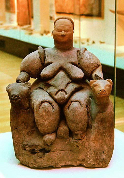 1350414379_velikaya-boginya-mat-v-okruzhenii-leopardov.-artefakt-iz-chatal-uyuka