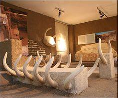74ec2580af0602eb1944ac6ceab7d97a-prehistoric-sculptures