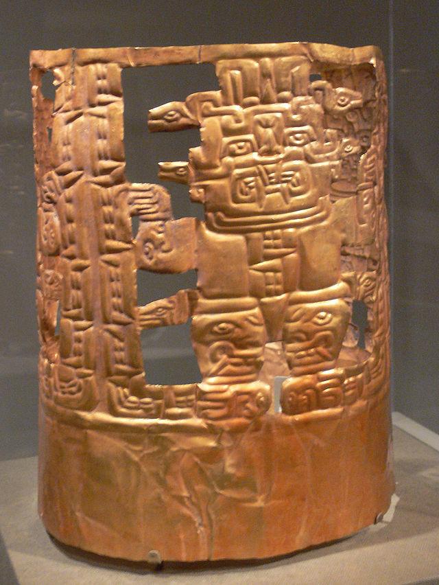 Peru_Chavin_crown_with_deity_figures_DMA_2005-35-McD