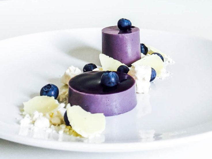 blueberry-violet-panna-cotta-4-800x600